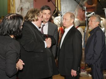 Французские журналисты попросили Депардье помочь журналистам в России
