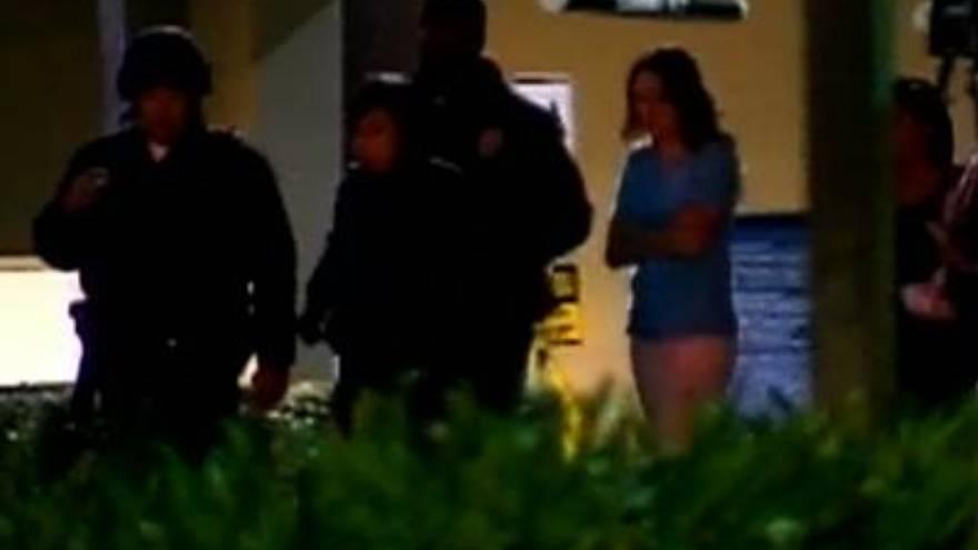 В Калифорнии при ограблении универмага преступники захватили 14 заложников