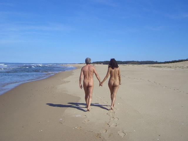 nudisti-more-plyazh