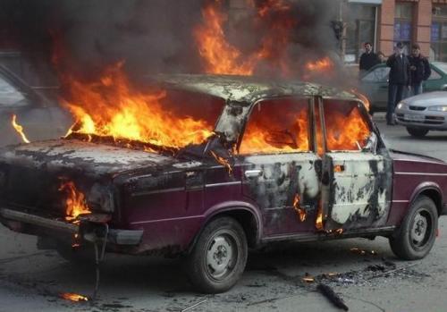 В Крыму за одни сутки сгорели три автомобиля