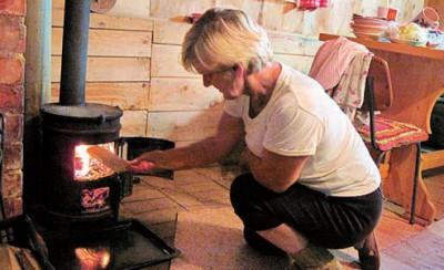 МЧС России спасает «буржуйками» замерзающих в Туве людей