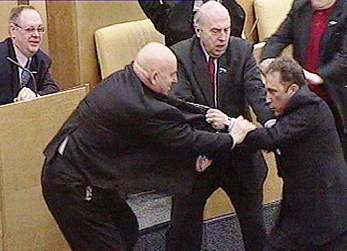 В Европарламенте выразили сожаление из-за насилия под Радой и призвали к спокойствию и сдержанности - Цензор.НЕТ 8095