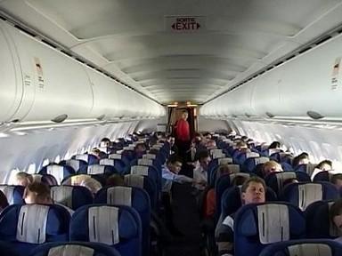 Пьяный россиянин из-за дебоша на борту самолета не долетел с женой в Таиланд