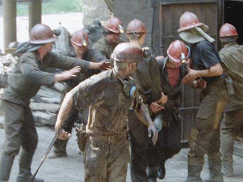 Взрыв на шахте «Воркутинская»: погибли 18 горняков, судьба ещё одного остаётся неизвестной