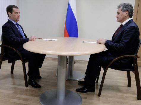 Сергей Шойгу среди населения стал популярнее, чем Дмитрий Медведев