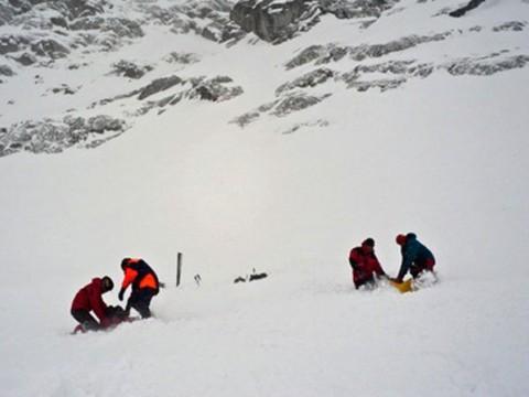 В Туве найдены тела двух подростков, попавших под лавину