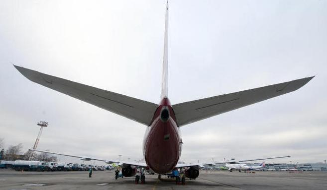 Самолет Boeing-737 совершил аварийную посадку в московском аэропорту «Внуково»