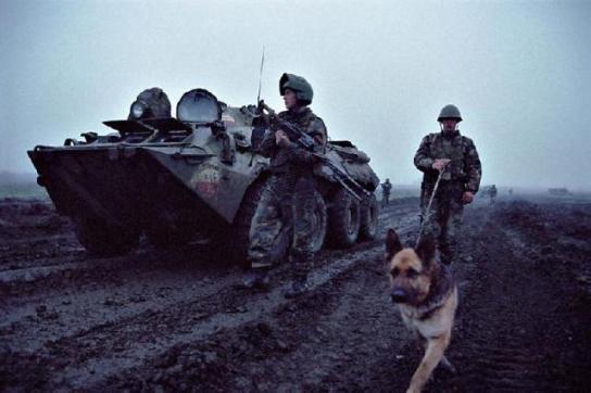 В Ачхой-Мартановской районе Чечни подорвали БМП