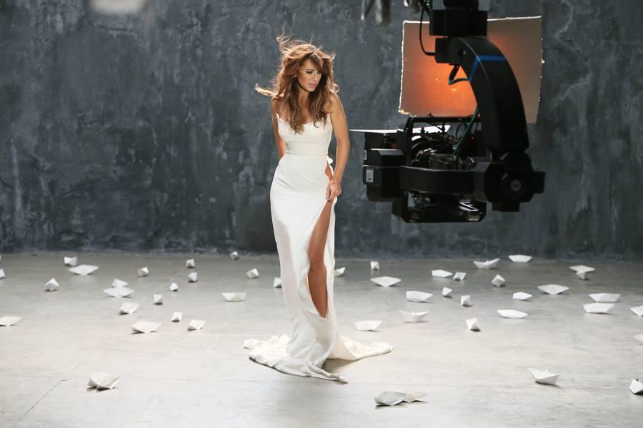 образом, что надеть модного для съёмок в клипе термобелье Glissade