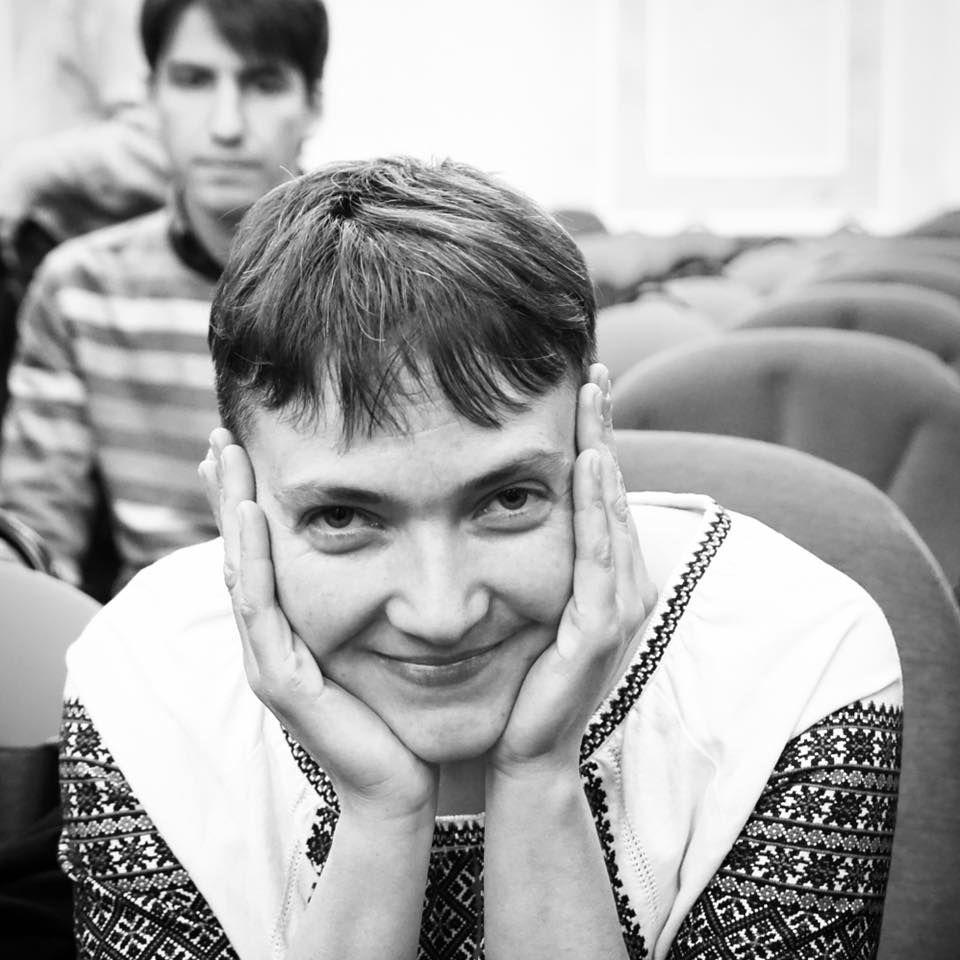 На суд над Карпюком и Клыхом Надежда Савченко пришла в вышиванке