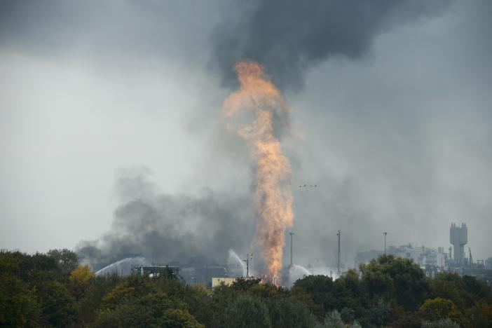 В Германии произошел взрыв на крупном химзаводе, жителям рекомендуют не выходить на улицы