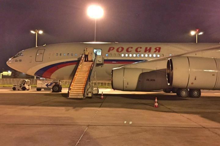 Самолет с российской делегацией и журналистами из-за поломки застрял в Лиссабоне