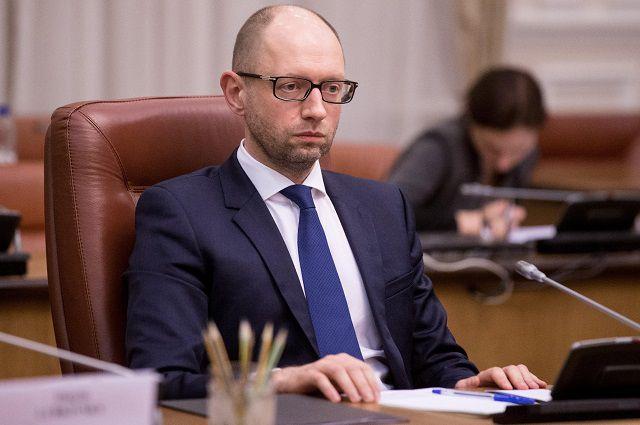 Яценюк будет судиться с автором статьи о покупке им вилл в Майами