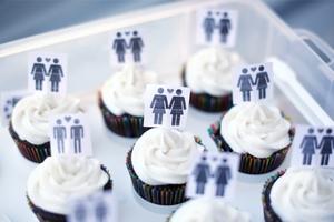 Кабмин собирается легализовать в Украине однополые браки