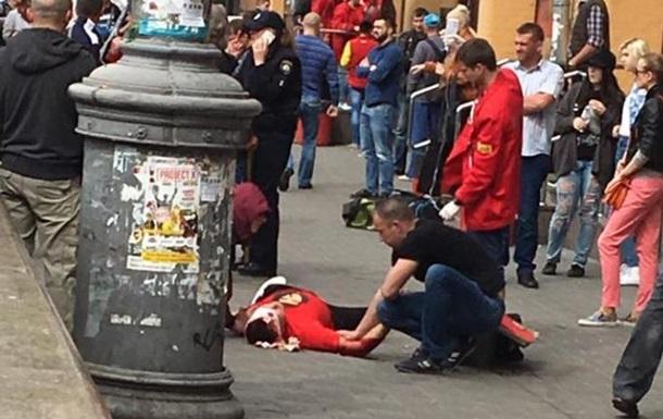 В центре Киева произошла стрельба: молодой человек получил ранение головы