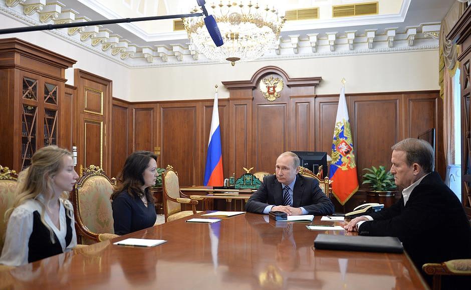 В истории об освобождении Савченко участвовал Медведчук