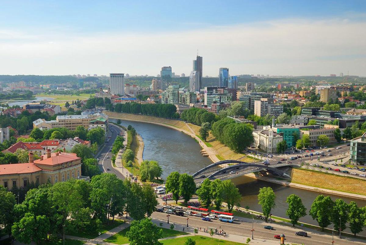 В Вильнюсе был запущен экскурсионный автобус с гидом, который говорит на украинском языке