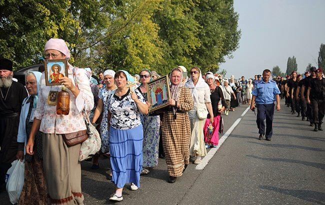 Крестный ход в Киеве проходит без нарушений – Деканоидзе