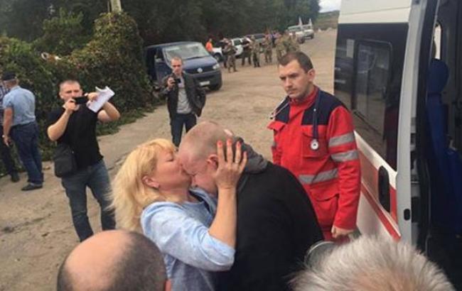 Освобожденные Супрун и Жемчугов уже на украинской территории