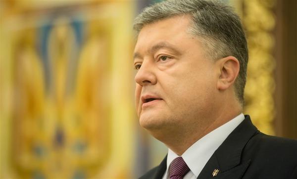Порошенко заявил, что цель блокады – оттолкнуть ОРДЛО в Россию