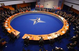 В НАТО выразили недовольство визитом российского президента в Абхазию