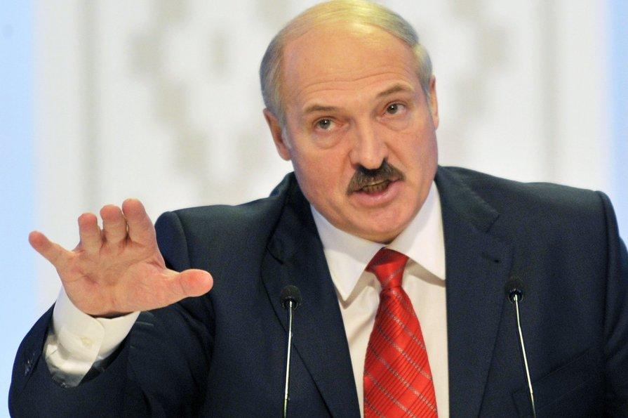 Лукашенко предложил обеспечить мир на востоке Украины