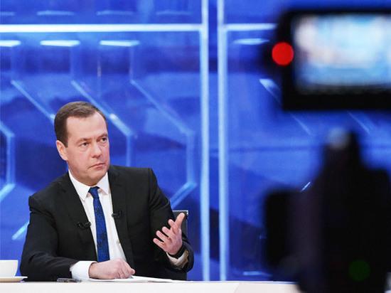 Медведев намекает на ответ из-за новых санкций США