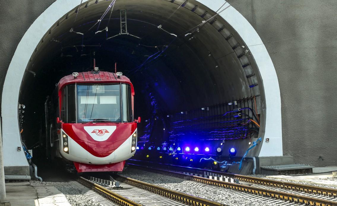 Президент Украины принял участие в открытии Бескидского тоннеля