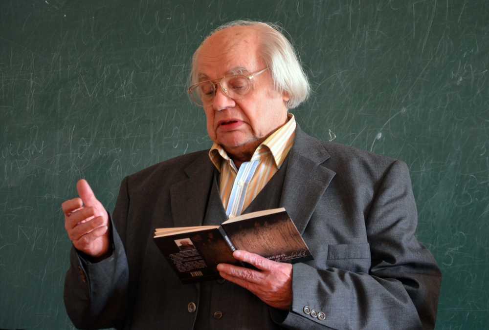 Ушел из жизни украинский поет Иван Драч