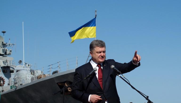 Россия может готовить атаку на Мариуполь – Порошенко