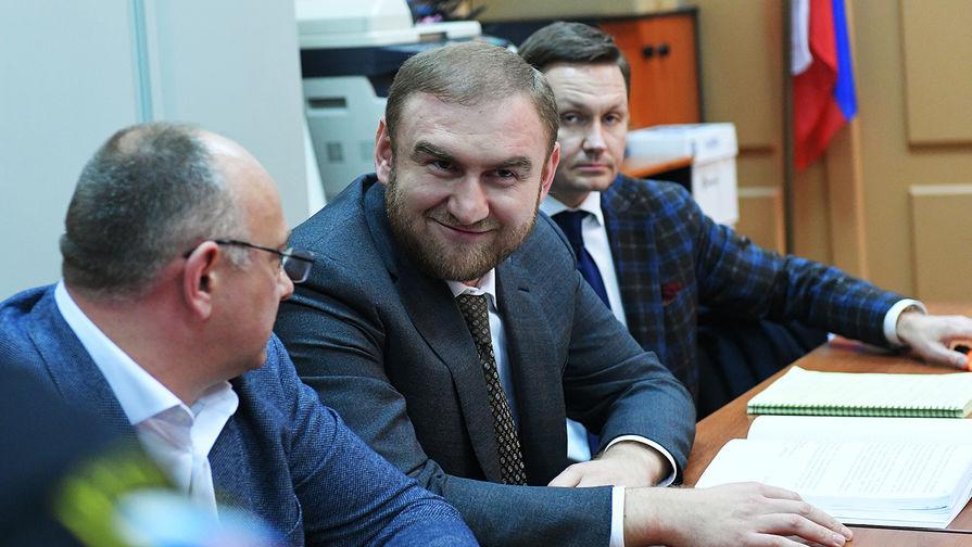 Суд арестовал по делу Арашуковых двух руководителей газовой отрасли СКФО