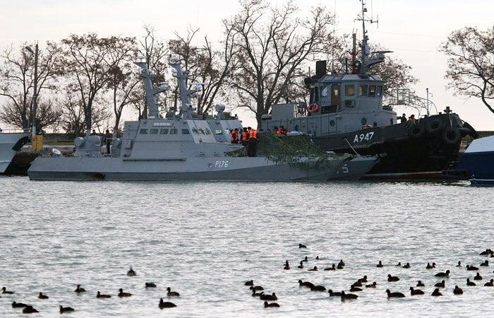 Россия вернет Украине корабли, которые были захвачены в Керченском проливе