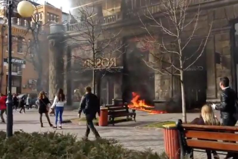 В Киеве горел магазин Roshen: поджигатель задержан