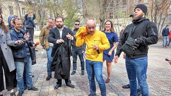 В Одессе Найема облили нечистотами