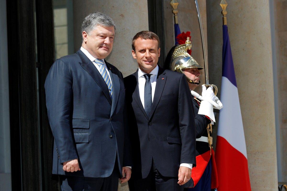 В Париже прошла встреча Порошенко и Макрона