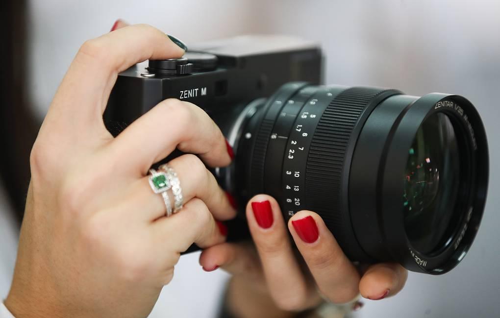 В России начались продажи обновленного фотоаппарата «Зенит»