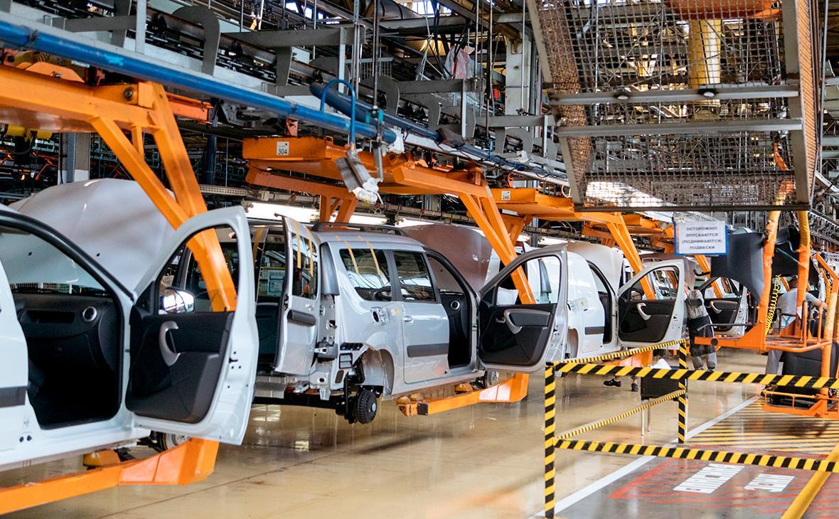 «АвтоВАЗ» временно останавливает производство