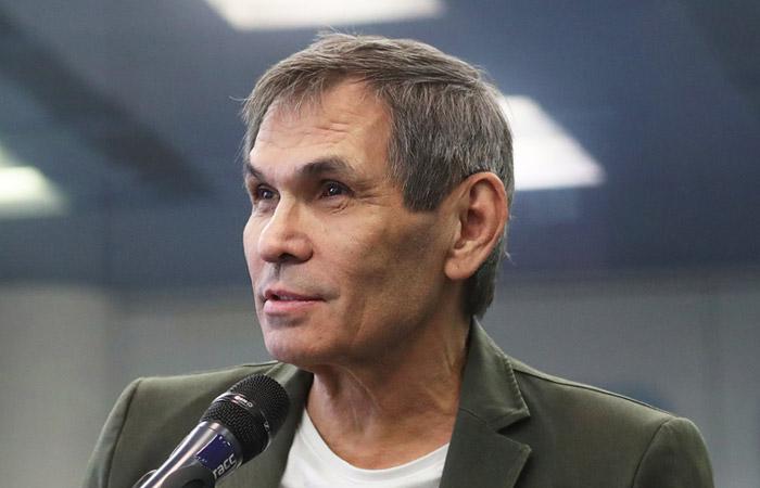 Бари Алибасов очнулся после искусственной комы