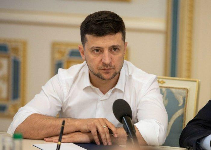 Президент Украины уволил губернаторов 15-ти областей