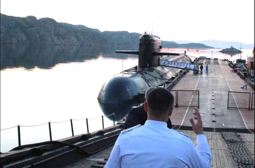 В интернете появились снимки подводной лодки, на которой погибли подводники