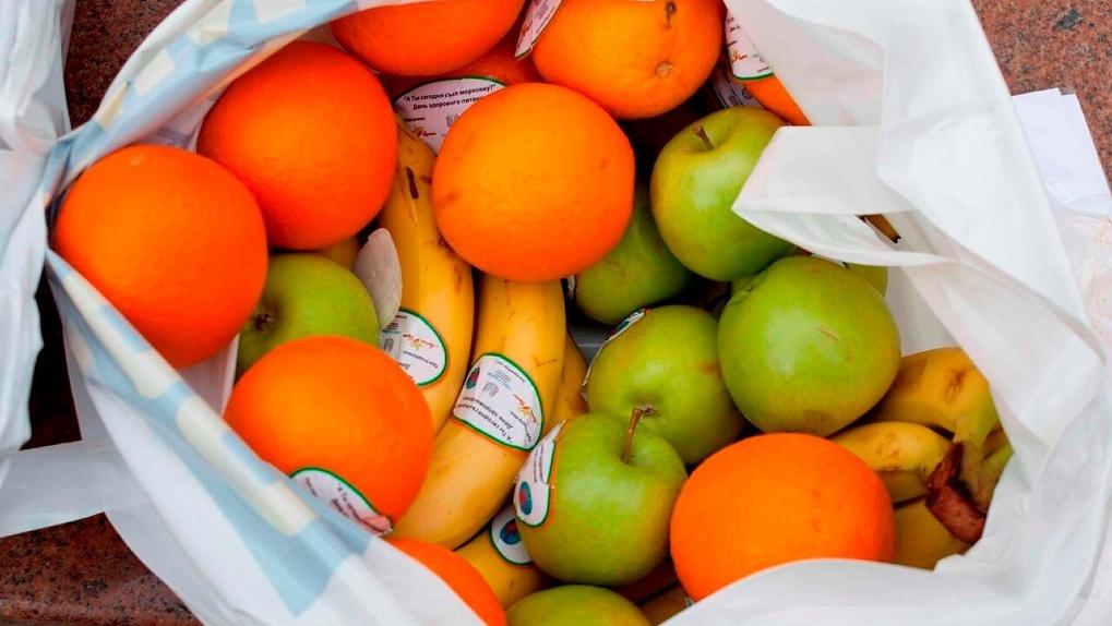 В России хотят изменить норму провоза цветов и фруктов в багаже