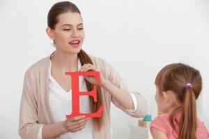 Зачем нужен логопед-дефектолог для ребенка?