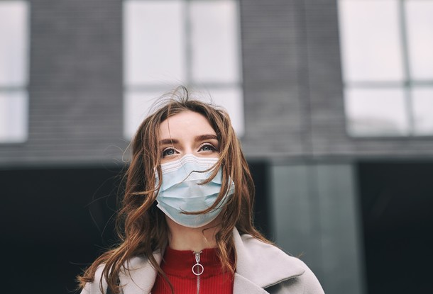 В Чехии вернули обязательное ношение масок