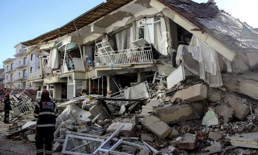 Количество жертв землетрясения в Турции возросло до 92 человек