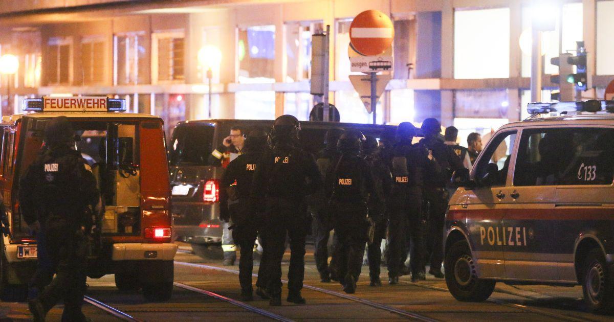 В Вене произошло нападение на еврейский центр, синагогу и рестораны