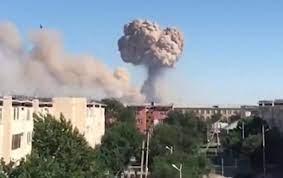 Из-за взрывов на военных складах в Казахстане погибли 12 человек